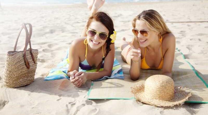 djevojke-na-plazi