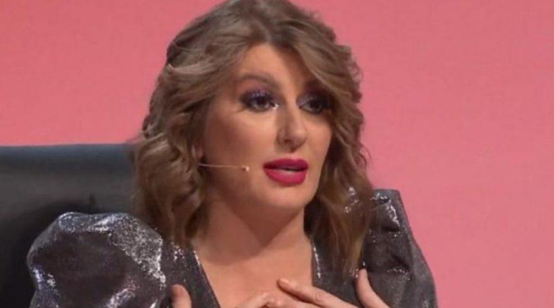 Sevalo na sve strane! Viki Miljković se pojavila na snimanju Zvezda Granda u nikad kraćoj haljinici!